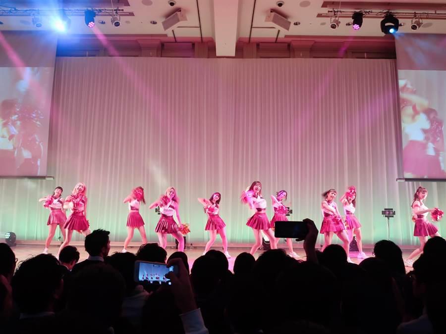 Rakuten Girls對於前往日本表演。(樂天桃猿提供/鄧心瑜傳真)