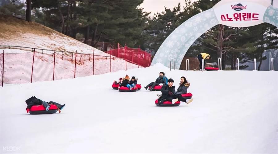 韓國首爾維瓦爾第公園滑雪場。(KLOOK提供/陳祐誠傳真)
