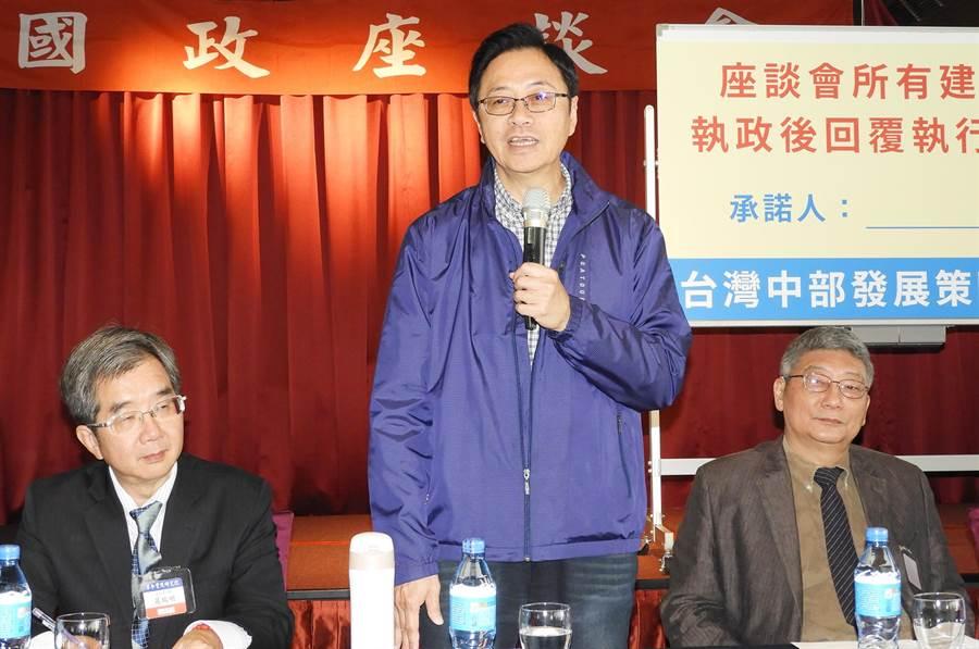 張善政強調,韓國瑜勞工政策是勞工若願意自提3%,政府就補助另外的3%,要批評韓國瑜政策的人,請先了解政策內容後再做批評。(陳世宗攝)