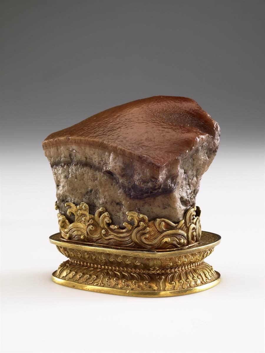 故宮國寶「肉形石」,是清朝宮廷珍玩,長5.73公分、寬6.6公分、厚5.3公分。(故宮博物院提供/吳敏菁彰化傳真)