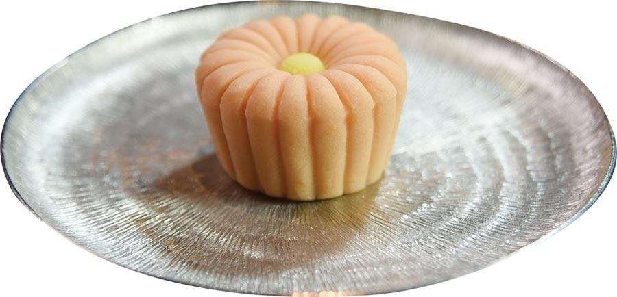 〈旭集〉甜點區除各式西餐,更有形色搶眼的和菓子,非常吸引人。圖/姚舜