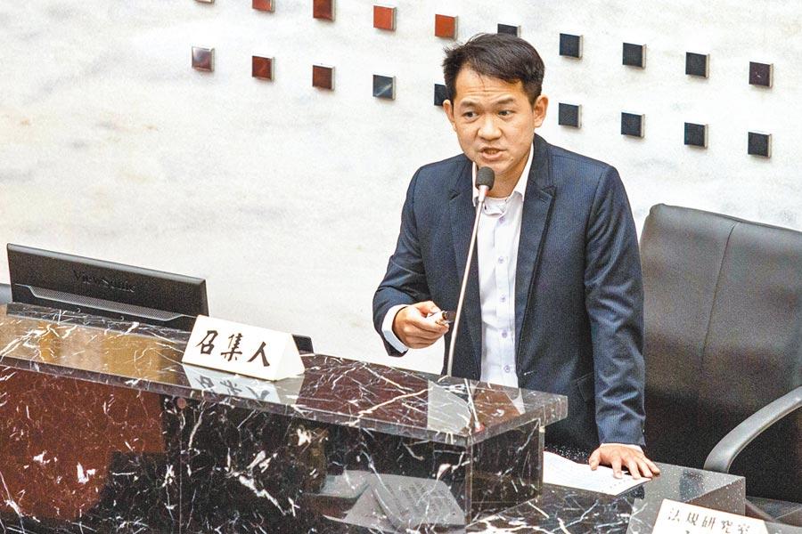 調查小組召集人林于凱表示,高銀在對慶洋投資授信8.3億元的過程中,出現2次的程序偷跑。(本報資料照片)