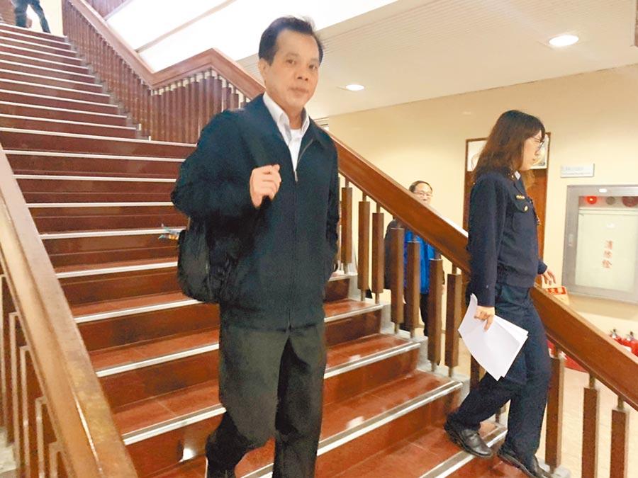 台北地院開庭審理國安局私菸案,特勤中心警安組上校副組長林志建當庭認罪,成了私菸案第一位認罪被告。(林偉信攝)
