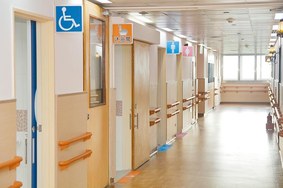 大林慈濟醫院利用醫院未使用的閒置空間,修繕布置住宿環境,結合醫護、照顧及創新服務,申請為住宿長照機構。(張亦惠攝)