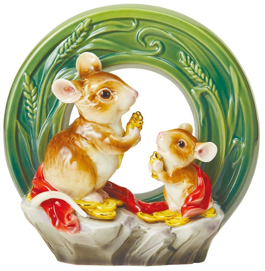 法藍瓷吉慶豐登雙鼠擺飾,1萬6500元。(法藍瓷提供)