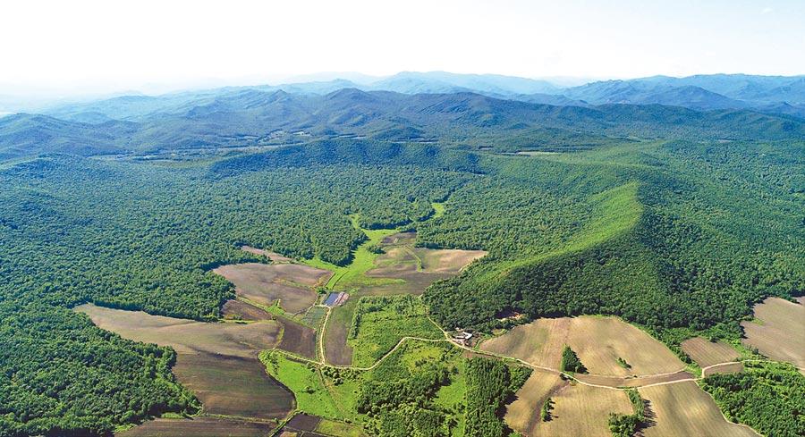 黑龍江發現的「依蘭隕石坑」。(取自中國科學院廣州地球化學研究所官網)