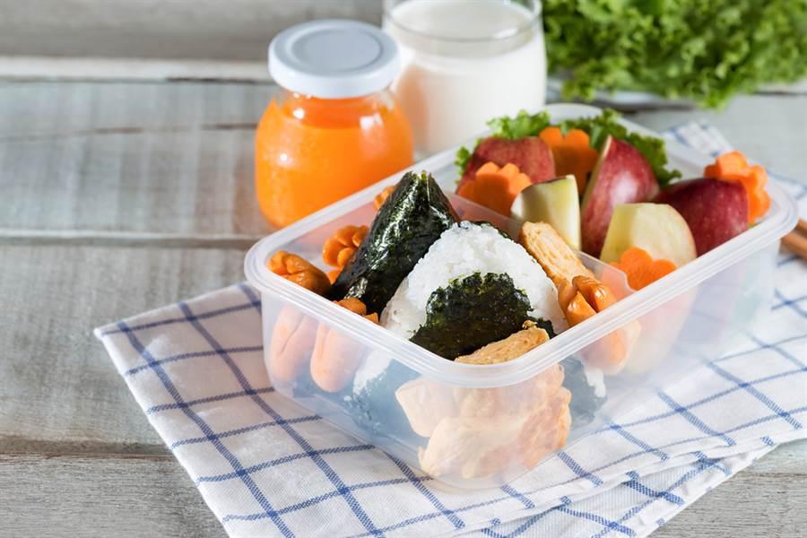 2019年聯合國兒童基金會公布,日本兒童是全球最健康的兒童,而日本將此歸功於學校午餐。此為示意圖。(達志影像/shutterstock)
