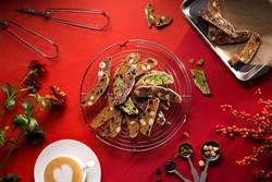 春節送禮藏巧思!義式脆餅散發堅果香、和菓子禮盒竟藏「富士山」?