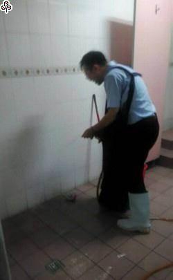 才被貶去掃廁所 北畜前總經理又遭巴頭恐嚇