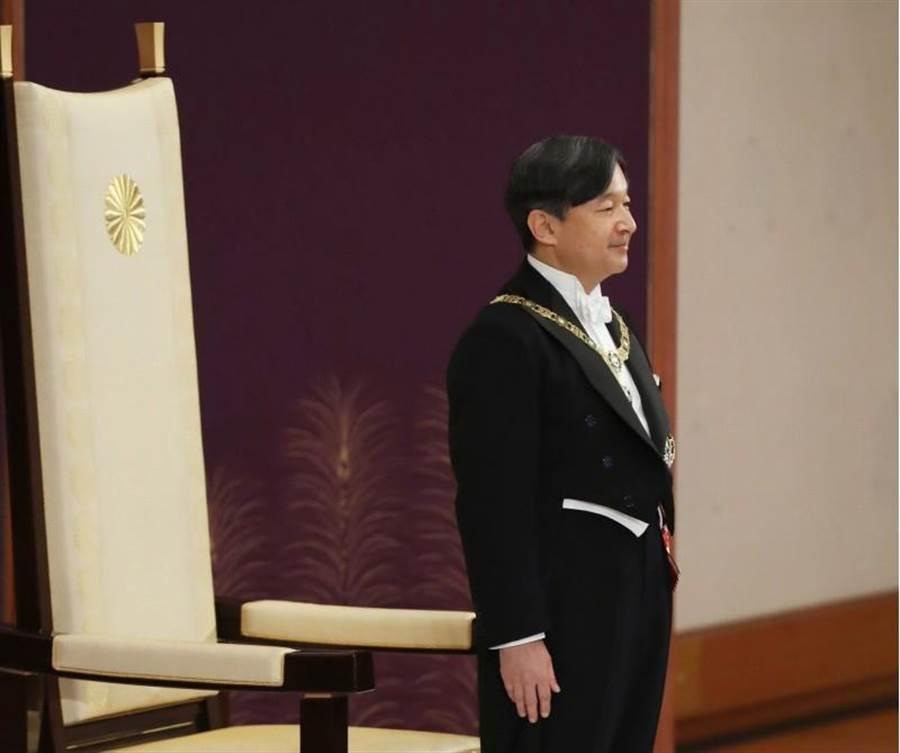 新日皇德仁以59歲又2個月的年齡即位,是日本有紀錄出生年月以來第二高齡日皇。(美聯社)