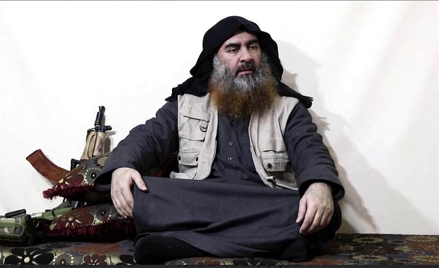 圖為伊斯蘭國首腦巴格達迪。(資料照/美聯社、IS核心媒體機構al-Furqan)