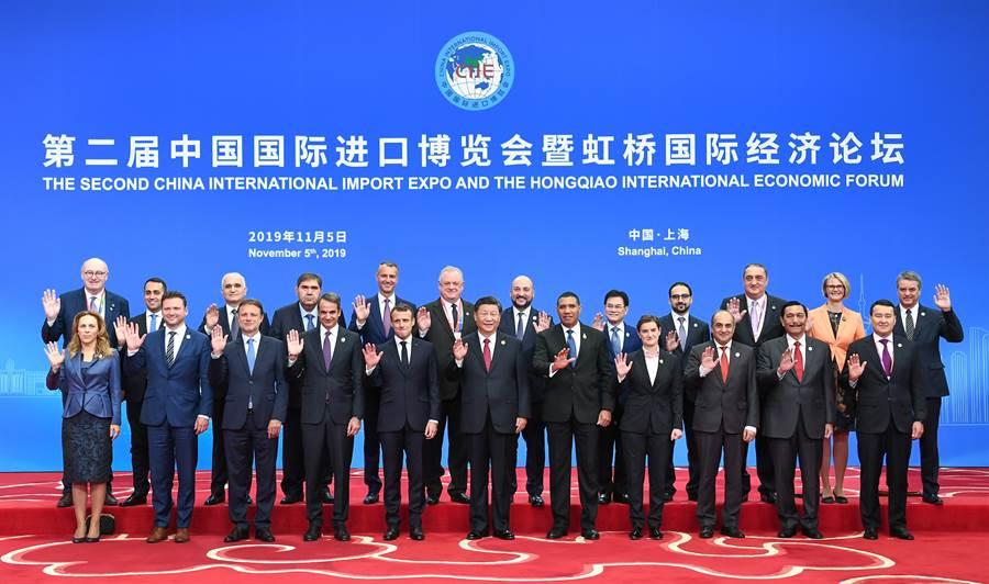 大陸國家主席習近平一年間先後7次出訪,顯示大陸推動多邊主義與國際影響力提升。圖為習近平出席中國國際進口博覽會在上海國家會展中心開幕。