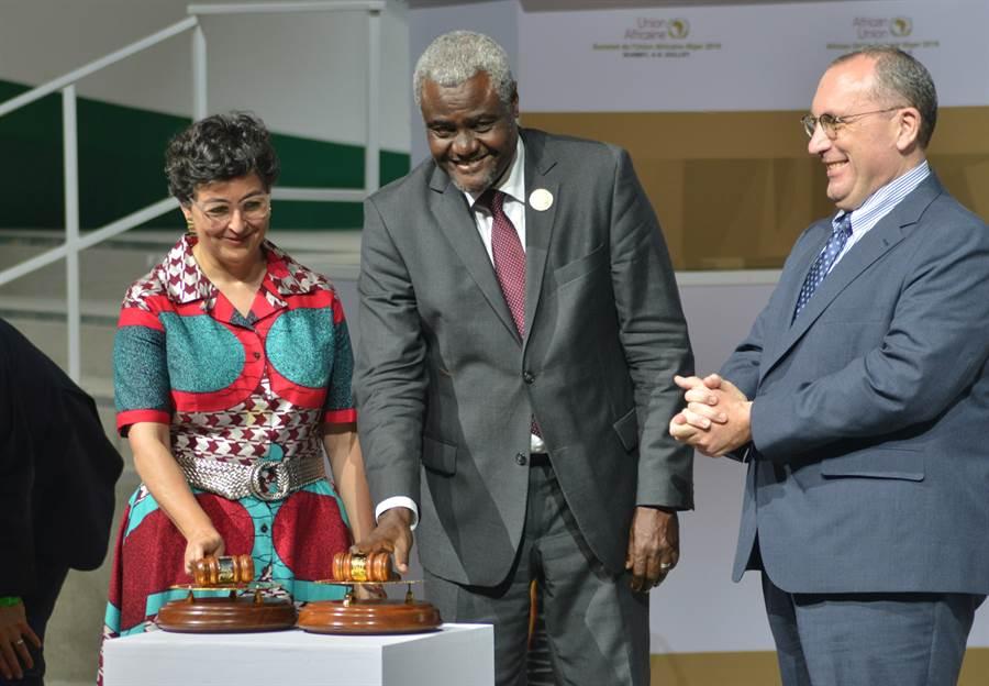 7月7日,非盟特別峰會宣佈正式啟動非洲自貿區建設,以消除貿易壁壘,為非洲區域整合畫下重要里程碑。(新華社)