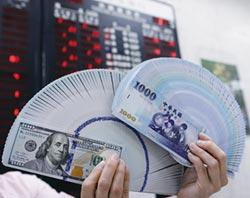 壽險元月宣告利率 緊握底牌