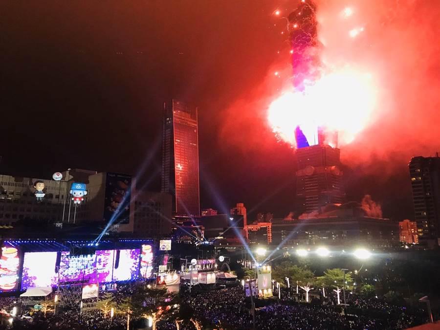 台北101跨年燈火秀。(張穎齊攝)