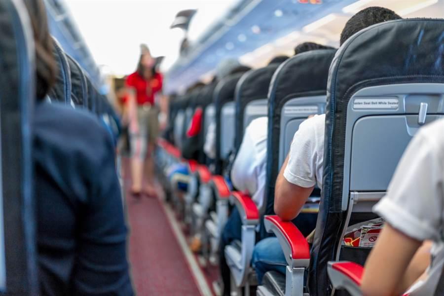 若想飛行旅程擁有好心情,空服員的真心建議最值得參考。(達志影像/shutterstock)