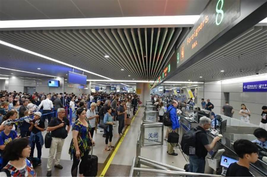 上海浦東國際機場去年出入境超過3900萬人次。(取自鳳凰網)