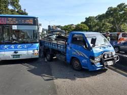 載挖土機亂入 大貨車追撞6車3人受傷