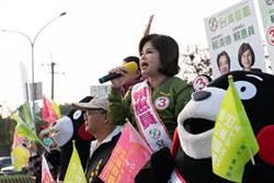 賴惠員趕政見發表會 提前路口拜票展團結