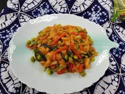新市農會家政班員發揮創意 馬來西亞風味毛豆泡菜獲獎