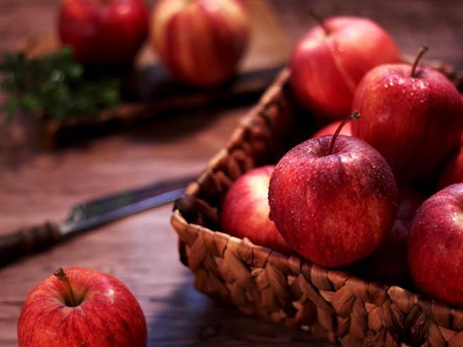 蘋果怎麼吃才對?營養師:這3種人必看