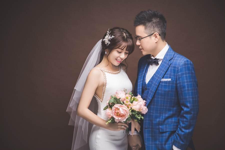 陳諺瑩自曝透過相親認識未婚夫。(圖/中天)