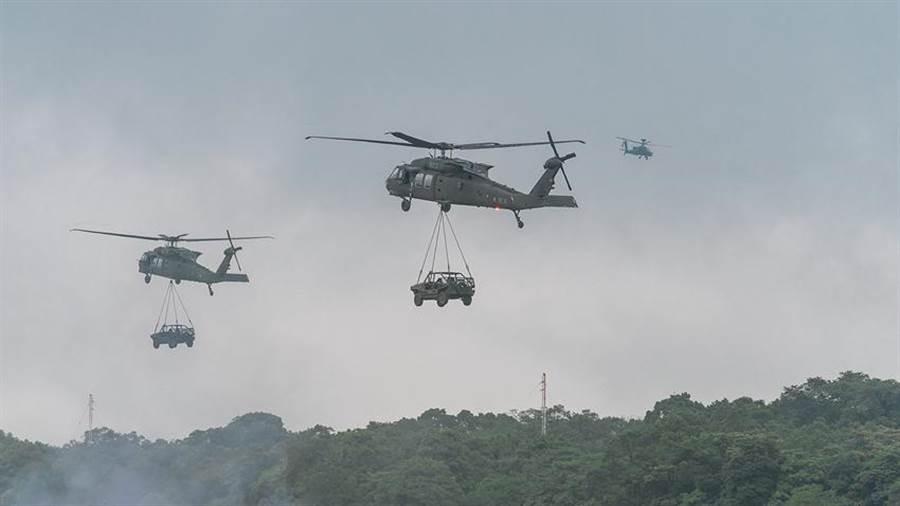 黑鷹直升機示意圖。(圖/本報資料照)