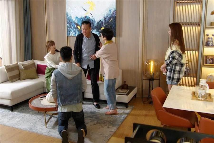 龍劭華戲裡怒罵兒子JR紀言愷。