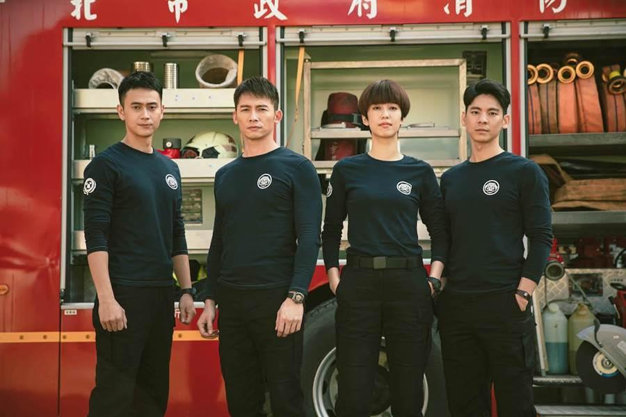 林柏宏(右起)、陳庭妮、溫昇豪、劉冠廷。公視提供