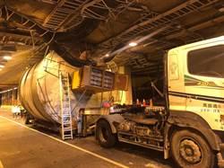 鳳鼻隧道有限高 超高車輛還是闖