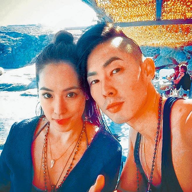 吳建豪(右)與石貞善簽字離婚,恢復單身生活。(摘自IG)