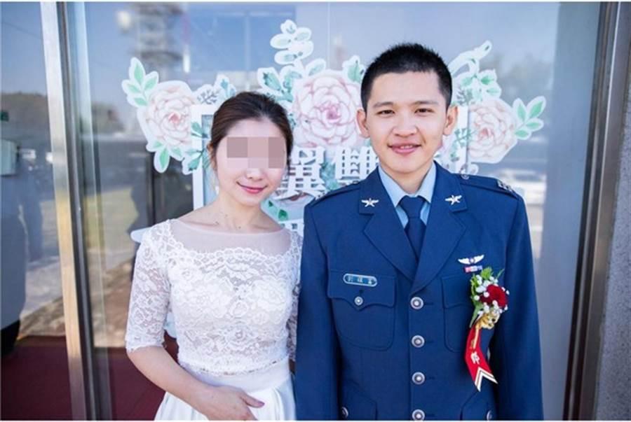劉鎮富2018年才與從事音樂的妻子結婚。(圖/翻攝畫面)