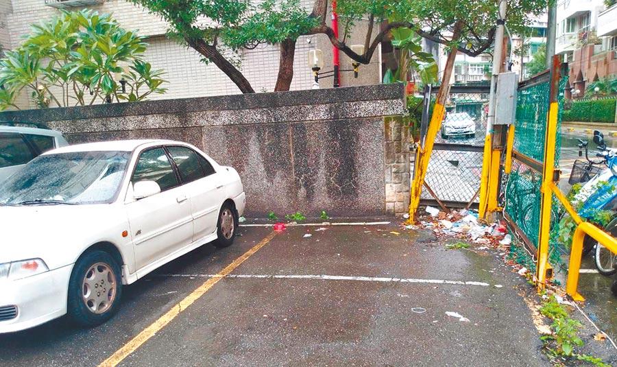 北市公私立停車場若遭查獲環境髒亂,依《廢棄物清理法》最高可處6000元罰鍰。(台北市環保局提供/張立勳台北傳真)
