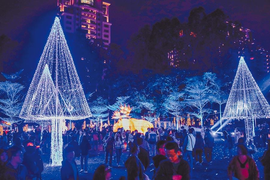 台灣燈會文心森林公園副展區引爆熱潮,短短10天參觀人次突破上百萬。(陳世宗攝)