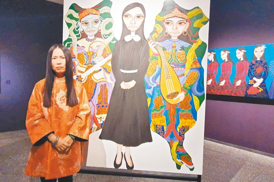 金馬國片《血觀音》創作者柳依蘭透過色彩強烈的作品,傳達她對女性生命及社會議題的觀察。(林和生攝)