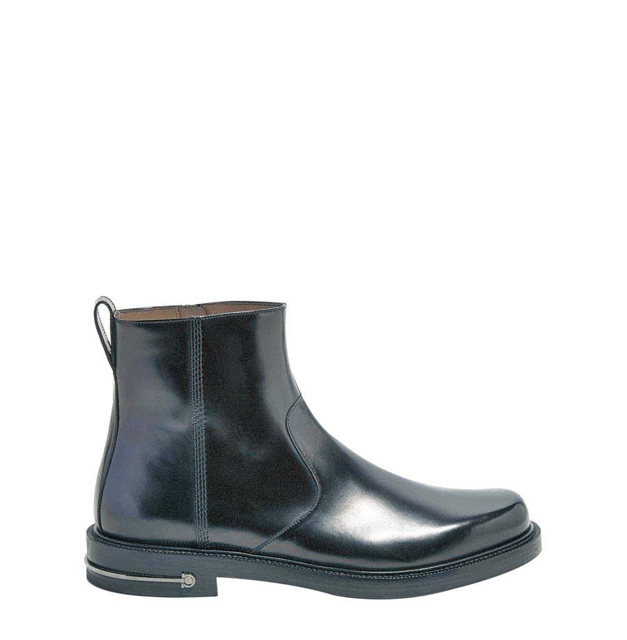 Ferragamo SEFTON黑色牛皮短靴,4萬4900元。(Ferragamo提供)