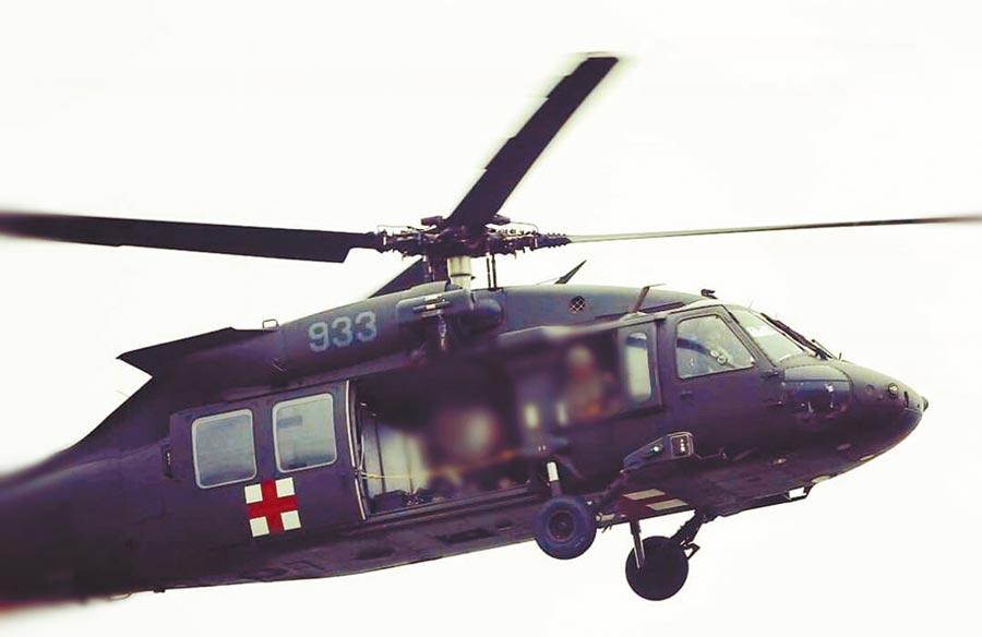 編號933的UH-60黑鷹2日上午在宜蘭、新北山區墜毀,機上包括參謀總長沈一鳴及駕駛等機組人員13員,共8死5傷。(國防部提供)