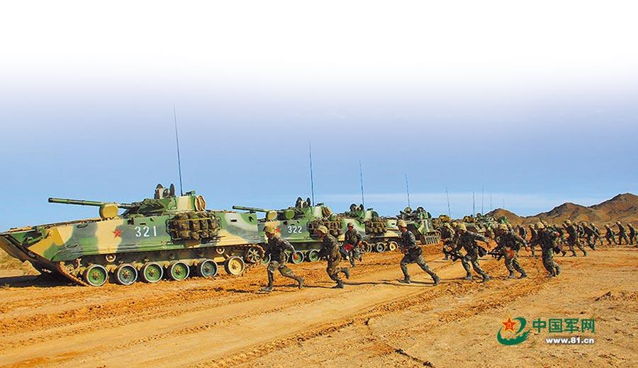 解放軍第47集團軍在祁連山進行演習。(取自中國軍網)