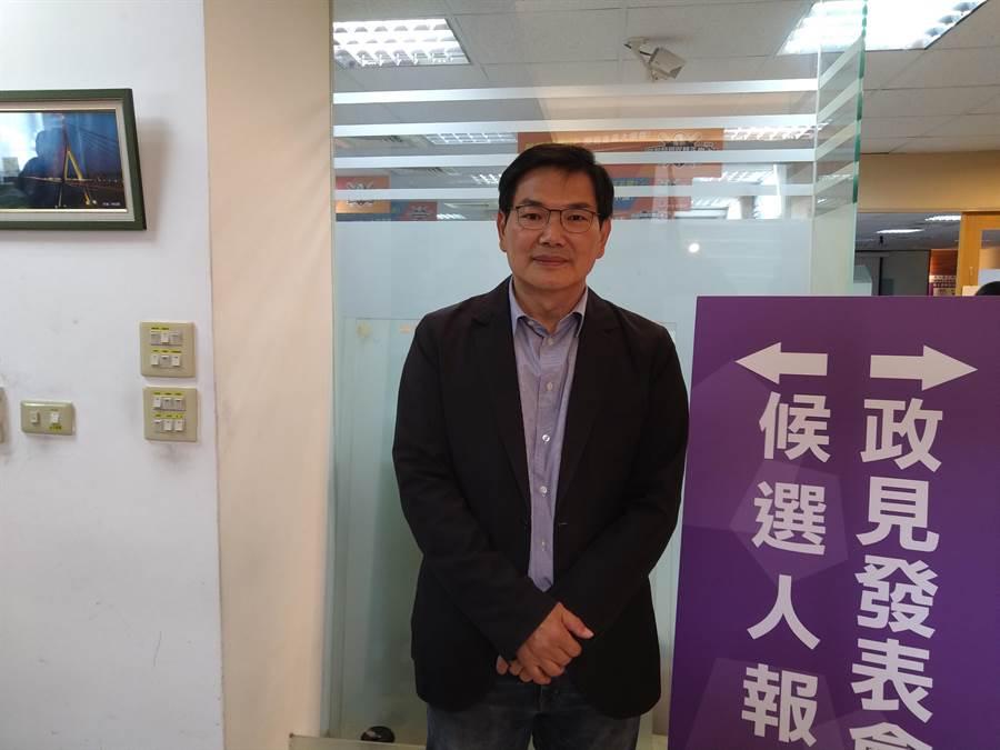 親民黨候選人吳益政表示,要讓高雄擁有「財政自主」、「經濟發展」、「環境永續」的自主權,解決自己的問題。(林雅惠攝)