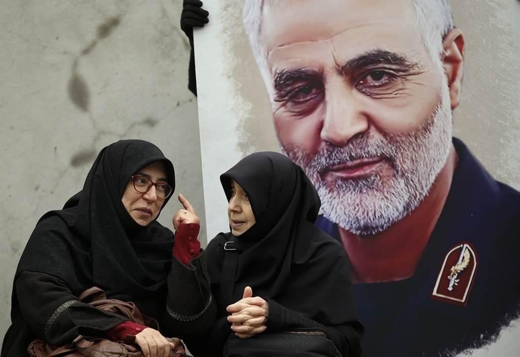 伊朗革命衛隊聖城旅指揮官蘇雷曼尼遭美狙殺,據透露是遭到身邊人士出賣,將行蹤透露給美方。(圖/美聯社)