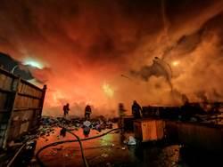 員林清潔隊深夜驚傳大火 逾20噸廢棄物直接燒光