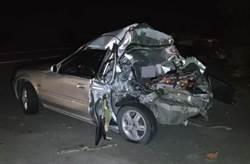 國3深夜大貨車追撞小客車 1死1傷