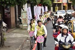 民進黨江永昌腳踏車隊 深入中和巷弄拜票