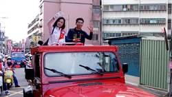 在地里長、羅智強加持 萬美玲車隊掃街
