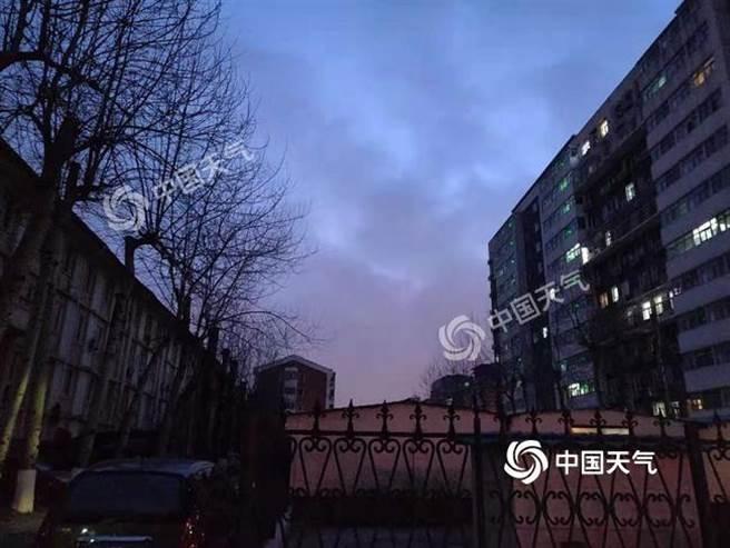 北京今天可望降下今年初雪 。(照片取自中新網)