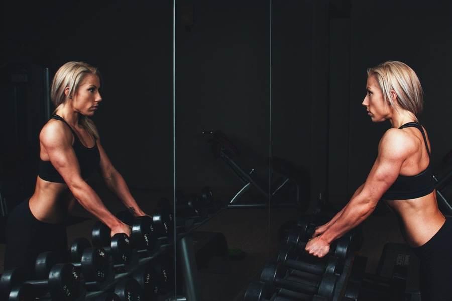 脂肪組織的重量會受肌肉支配,也就是說,肌肉生長愈快速,脂肪的重量便會明顯降低。(圖片來源:pixabay)