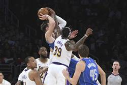 NBA》獨行俠抱怨:東契奇被打很慘