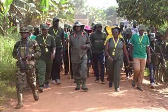 為競選連任 烏干達總統挑戰徒步穿越兩百公里非洲叢林