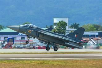 要上航母 印度研發雙引擎光輝戰機
