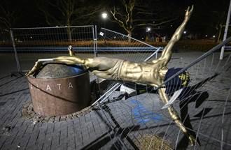 瑞典神塔糗了 雕像遭球迷鋸倒